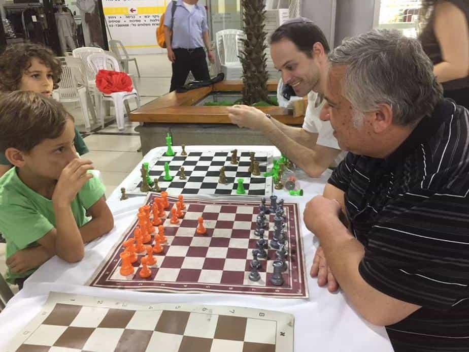 טורניר שחמט לעיוורים בגני תקווה