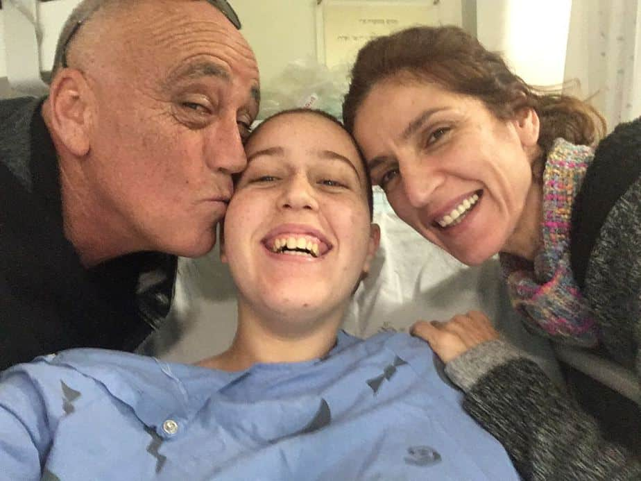 שירה אזולוס נלחמת בסרטן