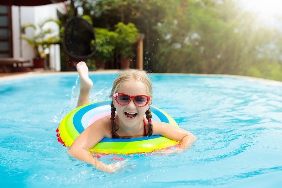 לימודי שחייה סביון