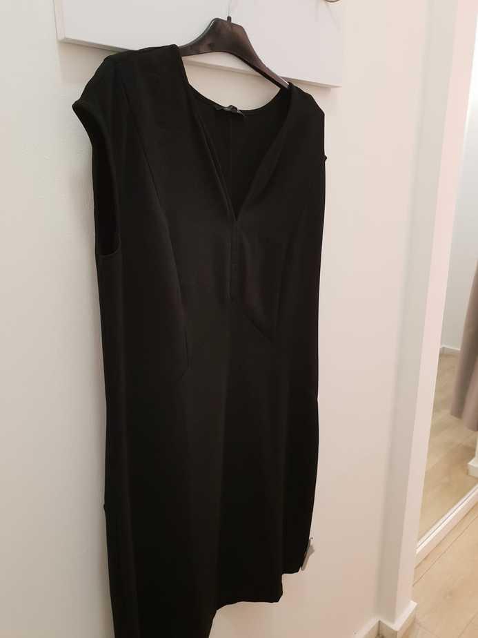 שמלה שחורה. קרייזי ליין
